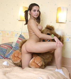 Free Pigtails Porn Pictures